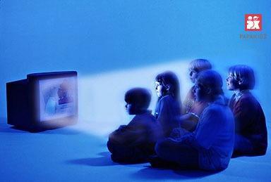 Trẻ xem Tv